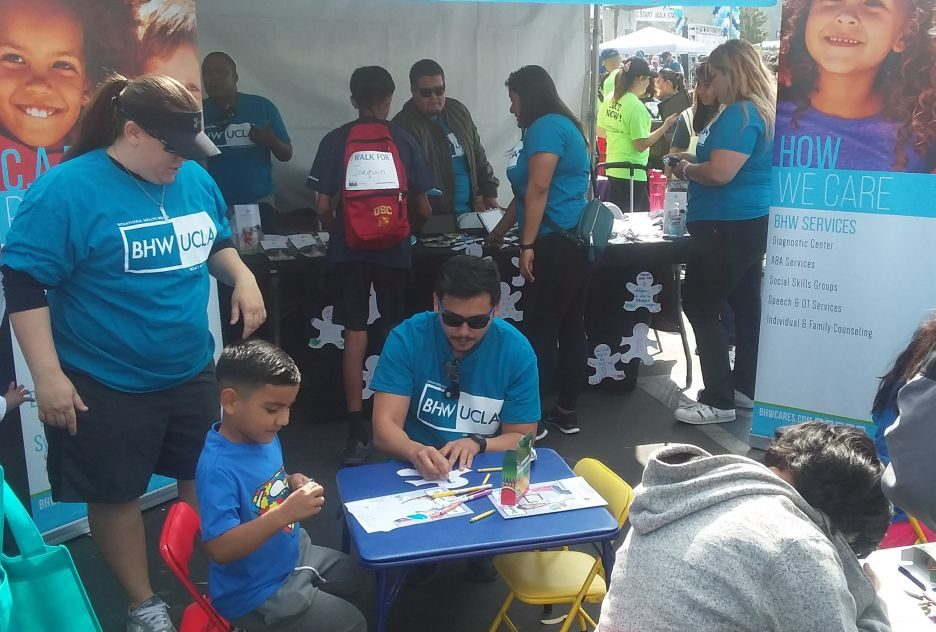 2018 LA Autism Walk Rose Bowl 05 e1525214877826